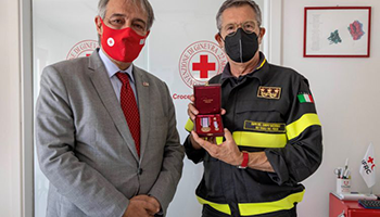 Conferita al Capo del Corpo ing. Fabio Dattilo la Medaglia d'Oro al merito della Croce Rossa Italiana