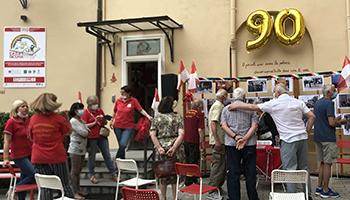 Sezione di PISTOIA – Festeggiato 90° compleanno e SORPRESA per  Athos Frosini, mitico pompiere.