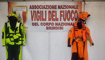 Sezione di BRINDISI – Salone nautico di Brindisi Stand dei VV.F. con l'A.N.VV.F.